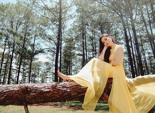 Hình ảnh thơ mộng của Cẩm Ly trong MV mới.