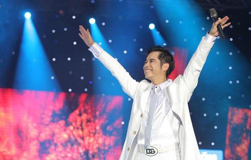 Ca-si-Ngoc-Son-Liveshow-Dau-An-8749-9898