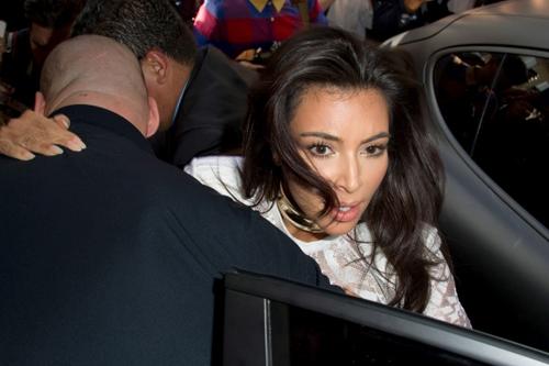 Trong show diễn của Balmain tại Paris Fashion Week mới đây, Kim Kardashian