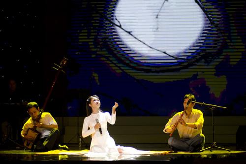"""Các tiết mục trong đêm chung kết """"Giọng hát hay Hà Nội"""" được dàn dựng công phu."""