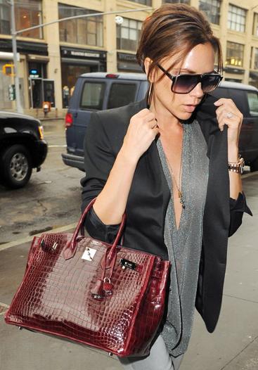 Túi xách Hermes Birkin từng được nhiều sao ưa thích, trong đó có Victoria Beckham. Ảnh: Purseblog.