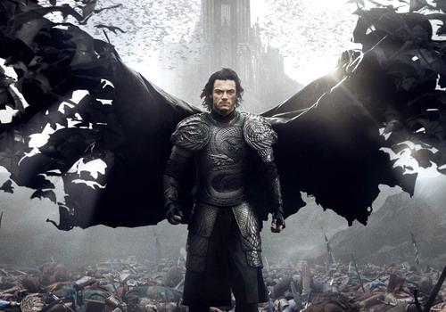 """""""Dracula Untold"""" đem lại thành công cho Luke Evans trong mùa phim cuối năm nay."""