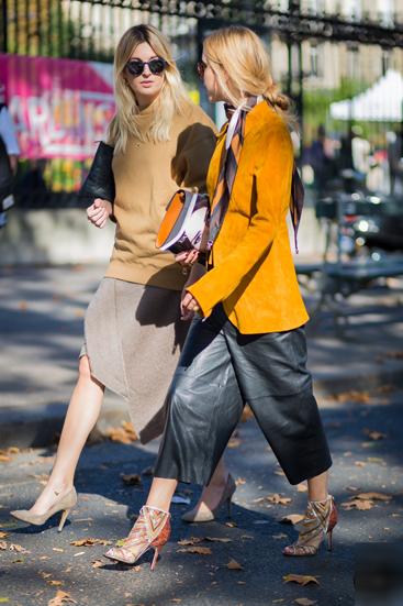 Trong những ngày diễn ra tuần lễ thời trang Paris 2015, các tín đồ thời trang khoe phong cách bằng cchiếc quần culottes xuất hiện trên khắp được phố.