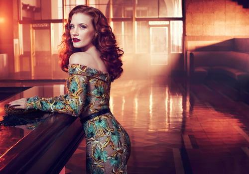 Jessica Chastain sở hữu vẻ đẹp cổ điển và phong cách thời trang tinh tế, sành điệu.