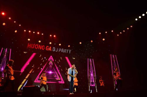 """""""Hot boy Đài Loan"""" Harry Lu sau điện ảnh cũng định lấn sân sang lĩnh vực âm nhạc với ca khúc """"Baby"""". Anh chàng còn kết hợp với vũ đoàn trong những điệu nhảy sôi động dành tặng khán giả hâm mộ"""