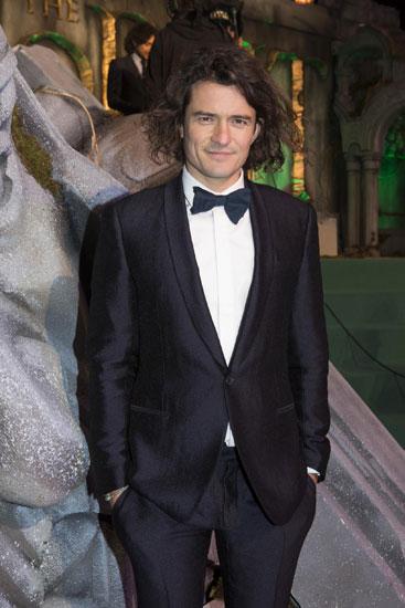 Orlando Bloom để tóc lãng tử đi ra mắt 'The Hobbit 3'