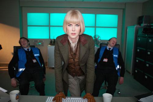 Phim của Nicole Kidman bất ngờ đứng đầu phòng vé ở Anh