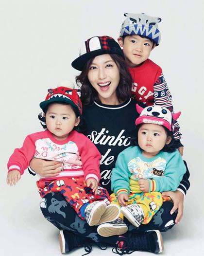 Ngắm con sinh đôi, sinh ba của các nghệ sĩ châu Á