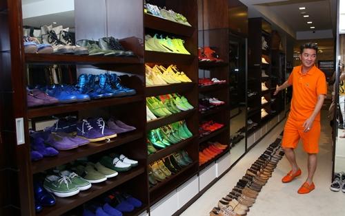 Kho giày hiệu hơn 600 đôi của Đàm Vĩnh Hưng