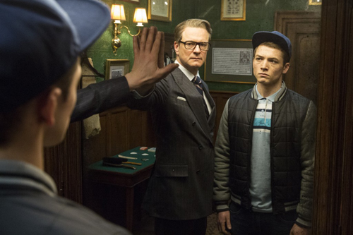 "Tài tử Oscar Colin Firth (trái) dìu dắt sao trẻ Taron Egerton trong ""Kingsman: The Secret Service""."