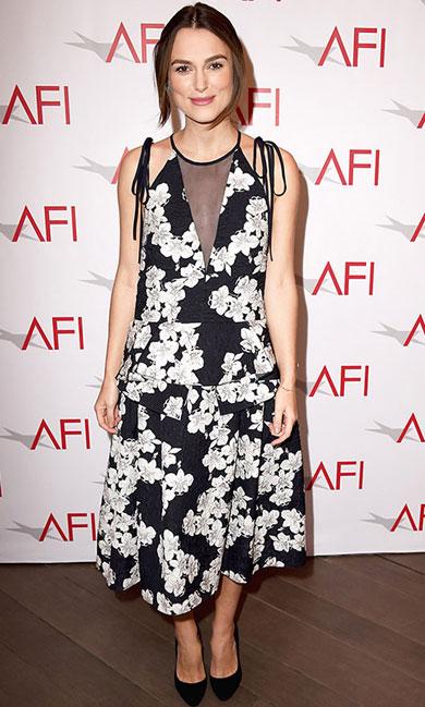 Keira Knightley lần đầu tiên xuất hiện trước công chúng kể từ khi có thông tin mang bầu.