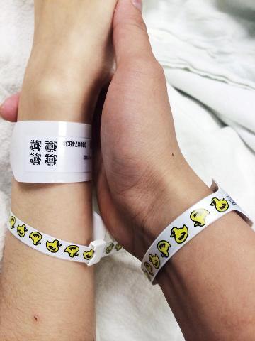Hoa hậu Diễm Hương sinh con trai