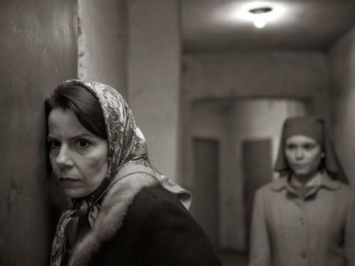 Hai nhân vật chính - Wanda (trái) và Ida trong phim.