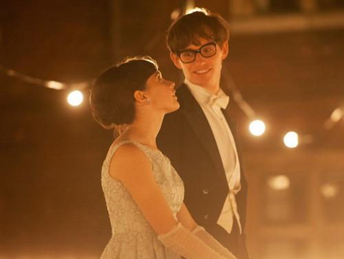 Cả Felicity Jones và Eddie Redmayne đều được đề cử Oscar năm nay dành cho Nam và Nữ diễn viên chính xuất sắc.