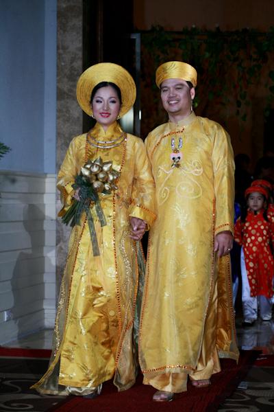 Sau-vu-to-cao-chong-ho-Thuy-Ng-2544-9176