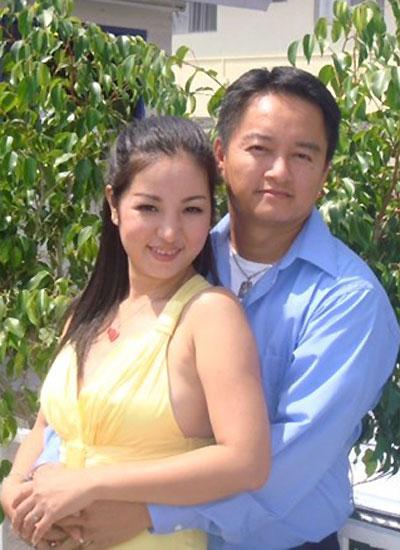 Thúy Nga với người chồng hiện tại - ông Huỳnh Lương Nghĩa - đang sống ở Mỹ.