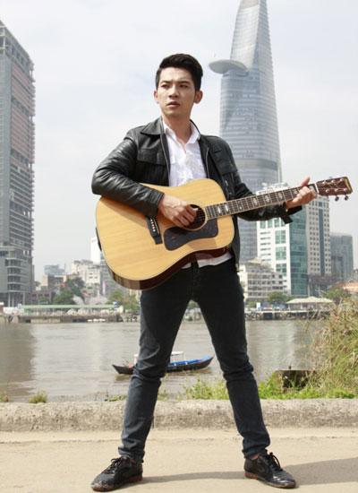 Ca sĩ Mai Quốc Việt có biệt tài giả giọng những ca sĩ khác. Vì thế, anh là một trong những nhân tố hứa hẹn gây thú vị cho sân chơi.