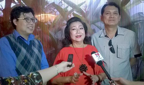 Nghệ sĩ Kim Cương trao quà Tết cho diễn viên cải lương neo đơn