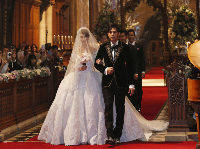 Những khoảnh khắc lãng mạn trong hôn lễ của sao châu Á
