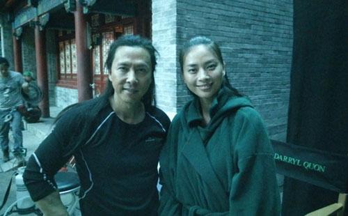 Diễn viên Ngô Thanh Vân bên tài tử Chân Tử Đan ở phim trường tại New Zealand.