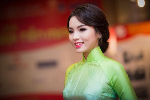 Hoa hậu Kỳ Duyên: 'Ngày Tết tôi có nhiệm vụ xông nhà'