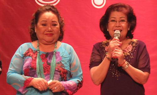 Nghệ sĩ Nhân Dân Ngọc Giàu (trái) và nghệ sĩ Phượng Liên góp mặt trong chương trình.