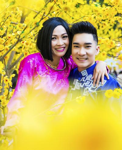 Áo dài: Nhà thiết kế Minh Châu Photo: Hiển Khuất Stylist: Quang Quậy