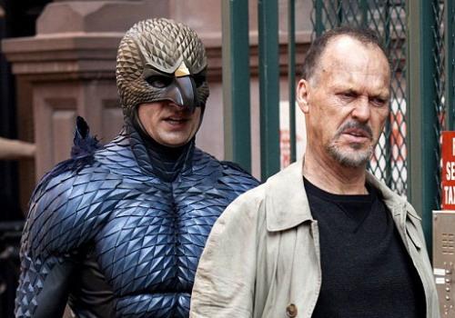 Nhân vật chính trong phim do Michael Keaton thủ vai bị ám ảnh bởi Người Chim.