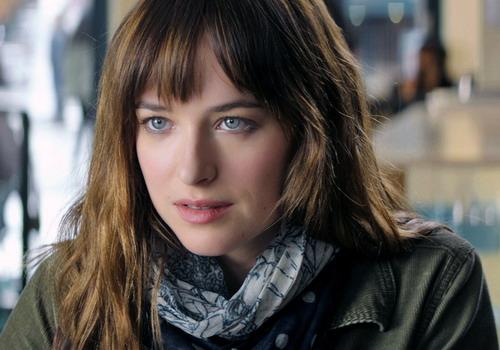 Dakota Johnson có gương mặt và đôi mắt hao hao minh tinh Pháp - Sophie Marceau - thời trẻ.