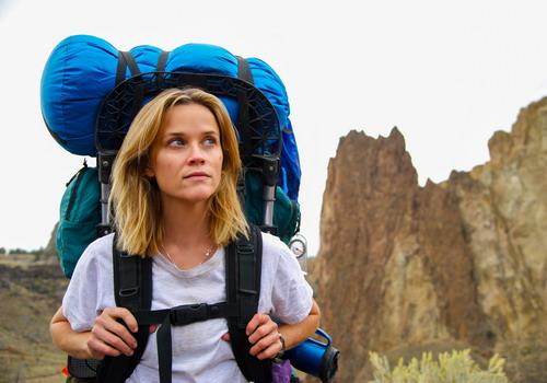 """Reese Witherspoon hóa thành người phụ nữ đi du lịch một mình trong phim """"Wild""""."""