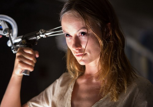 """Người đẹp Olivia Wilde trong phim kinh dị """"The Lazarus Effect""""."""