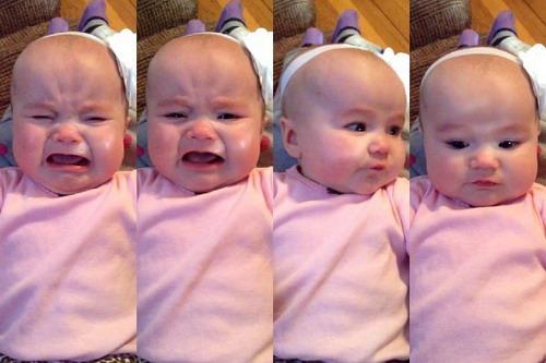 Bé Rosie thay đổi trạng thái cảm xúc khi ca khúc 'Blank Space' của Taylor Swift vang lên.