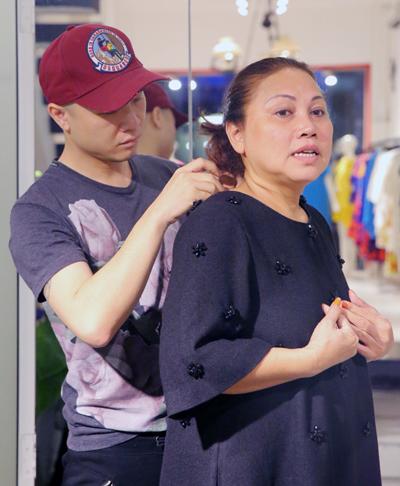 Đỗ Mạnh Cường hỗ trợ trang phục cho Siu Black