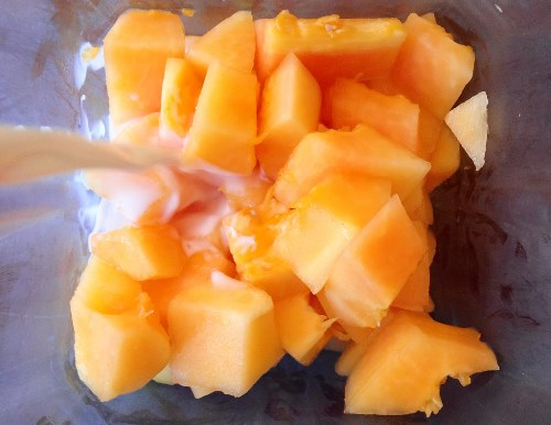 papaya-juice-and-milk-1587-1425698514.jp
