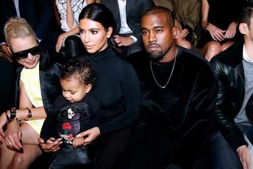 Kardashian-family-at-Balenciag-5650-5531