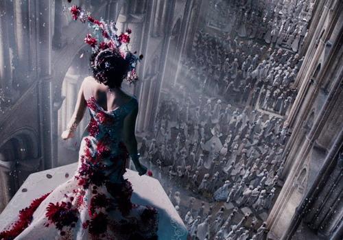 """Một đại cảnh được dàn dựng công phu của """"Jupiter Ascending""""."""
