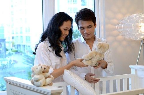 Phương Nga tiếp tục nhận lời tham gia MVAnh nhận ra của ca sĩ Khắc Việt vào tháng 5/2012.