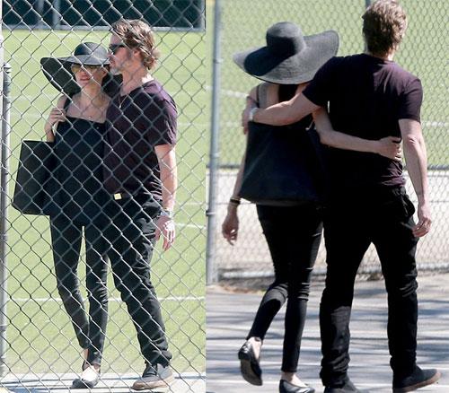 Brad Pitt - người sát cánh bên Angelina qua hai cuộc phẫu thuật