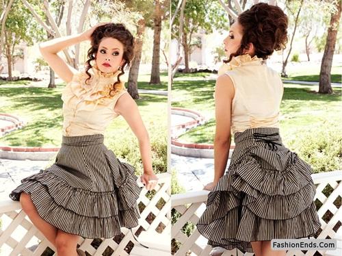 1. Chọn phong cách retro nhưng không có nét mới Chúng ta đều biết rằng thời trang mang tính xoay vòng và mọi xu hướng đều có thể quay trở lại. Nhưng điều đó không có nghĩa là bạn mặc cả cây trang phục từ thời đại trước. Lựa chọn sai lầm ấy không chỉ khiến bạn lạc hậu mà còn già thêm 10 tuổi. Vì vậy, nên kết hợp trang phục retro, vintage cùng vài món hiện đại để trở nên thời thượng. Chẳng hạn, nếu bạn muốn mặc chiếc áo len màu neon hoang dã kiểu thập niên 1980, đừng kết hợp cùng quần legging và giày sneaker mà hãy chọn quần jean skinny siêu mảnh khảnh và ankle boot, trang điểm và làm tóc tự nhiên. Còn với một chiếc váy midi dáng xòe kiểu vintage? Hãy hiện đại hóa nó với áo khoác cánh ngắn bằng da và giày cao gót mũi nhọn thay vì chỉ chọn mẫu áo cánh và chuỗi ngọc trai bình thường.