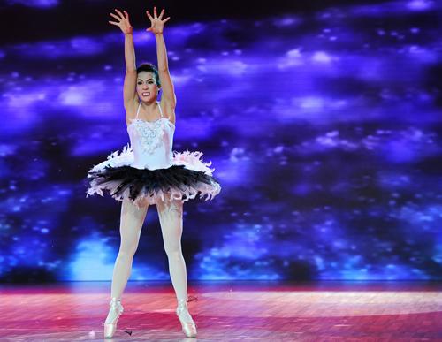 Diệp Lâm Anh cháy hết mình với vai Thiên Nga Đen.  Cố gắng nhảy trên giày mũi cứng của Diệp Lâm Anh được giám khảo Khánh Thi và Trần Ly Ly đánh giá cao. Đây được coi là đêm thi tốt nhất của nữ ca sĩ.