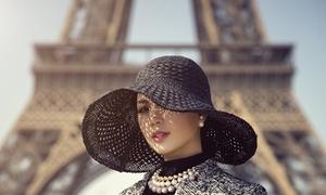 Á hậu Diễm Trang du ngoạn Paris