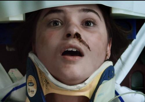"""Nhân vật cô bé Quinn trong phim """"Insidious: Chapter 3""""."""