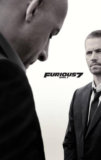 """Một trong những Poster của """"Fast & Furious 7"""" có tông màu xám, với hình ảnh Vin Diesel cúi đầu trầm mặc trước Paul Walker đang hướng ánh mắt về phía xa xăm."""
