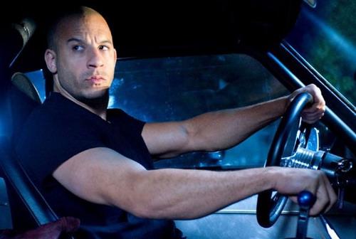 """Vin Diesel gắn với hình tượng người hùng nam tính, mạnh mẽ của loạt phim """"Fast & Furious""""."""