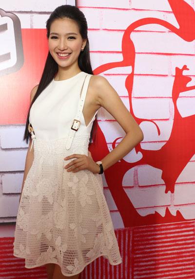 Sau Bước nhảy Hoàn vũ, MC Mỹ Linh tiếp tục dẫn dắt The Voice.