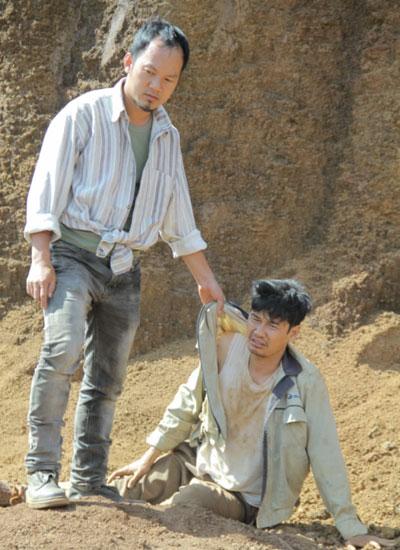 Long Đẹp Trai (trái) và Tiết Cương trong phim của Lý Hải.
