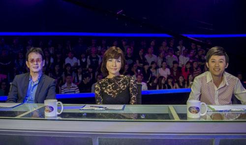 Ba giám khảo của chương trình, từ trái qua: Đức Huy, Mỹ Linh và