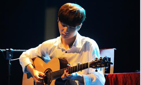 Thần đồng guitar Hàn Quốc mê hoặc khán giả thủ đô
