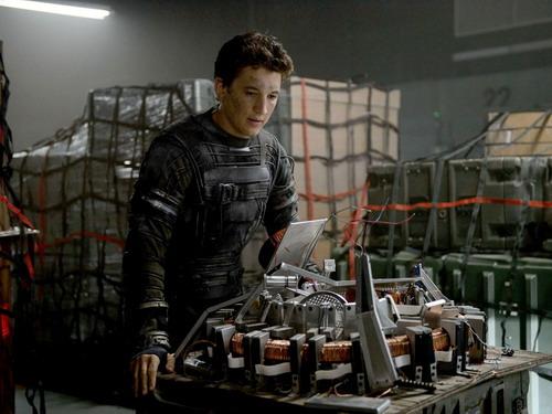 """Nam diễn viên trẻ Miles Teller từng đóng vai chính trong bộ phim giành ba giải Oscar 2015 - """"Whiplash"""" - vào vai Mr. Fantastic."""