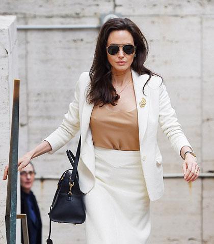 Nữ diễn viên có mặt trong cuộc họp tại trụ sở của Liên hợp quốc ở New York, Mỹ ngày 24/4.